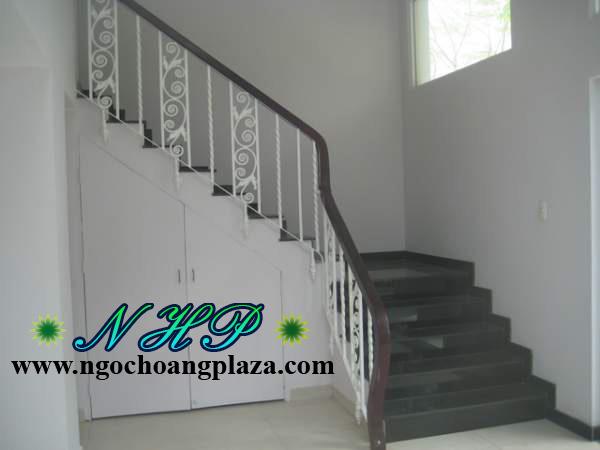 Cầu thang sắt đẹp cao cấp