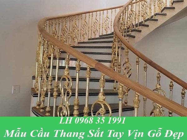 Mẫu cầu thang sắt vịn gỗ đẹp, thiết kế hiện đại
