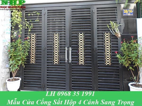 Mẫu cửa cổng sắt hộp 4 cánh được thiết kế sang trọng